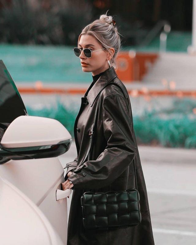 Bottega veneta® Black Leather Crossbody Bag of Hailey Baldwin on the Instagram account @haileybieber January 19, 2020