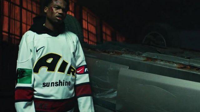 Nike Maillot porté par Roddy Ricch dans son Boom Boom Room Officiel de la Musique de la Vidéo