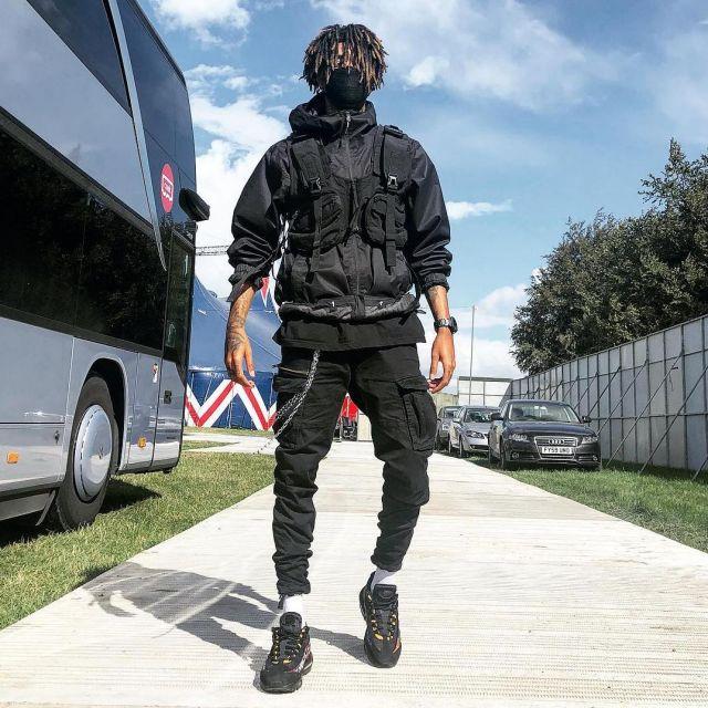 jacket worn by Scarlxrd on his Instagram account @scarlxrd
