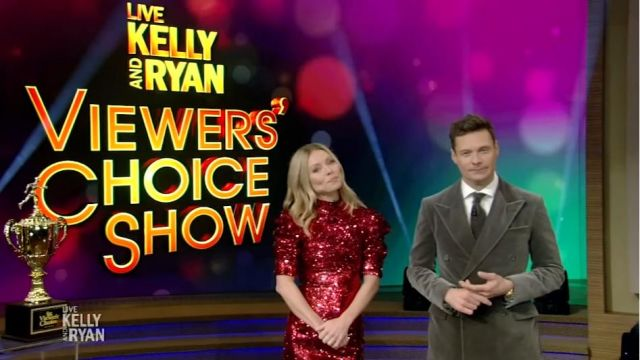 Alice + Olivia Rouge à Paillettes Mini Robe portée par Kelly Ripa sur le LIVE avec Kelly et Ryan 24 janvier 2020