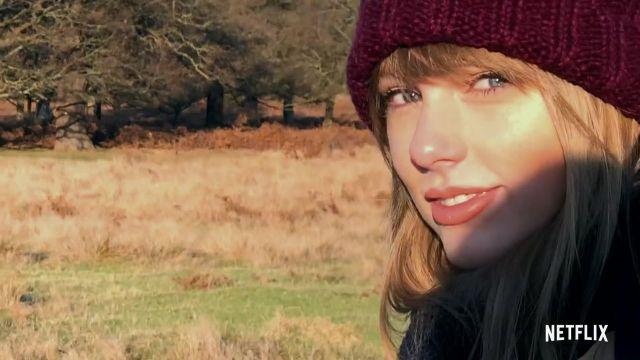 Bonnet bordeaux de Taylor Swift dans Miss Americana