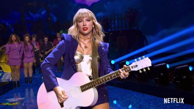 Blazer bleu à paillettes de Taylor Swift dans Miss Americana