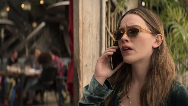 Sunglasses worn by Love Quinn (Victoria Pedretti) in YOU (S02E02)