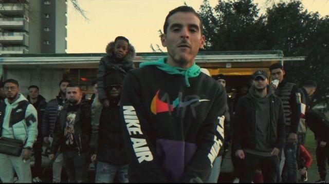 Le sweatshirt Nike Air de Fianso / Sofiane Zermani dans son clip  #Jesuispasséchezso : Episode 12
