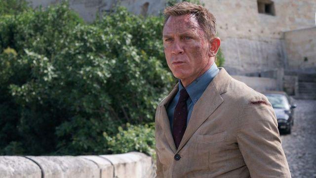 Alexander Olch The Avery Necktie worn by James Bond (Daniel Craig) as seen in No Time to Die