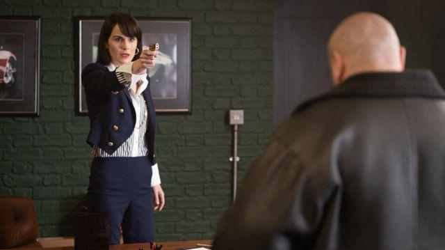 Blazer bleu marine veste portée par Rosalind Pearson (Michelle Dockery) comme on le voit dans L'Messieurs