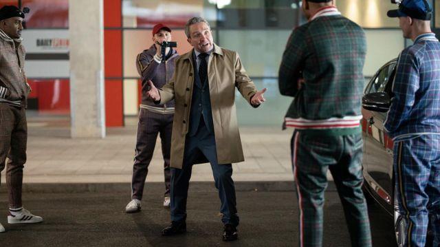 Trench coat worn by Big Dave (Eddie Marsan) as seen in The Gentlemen