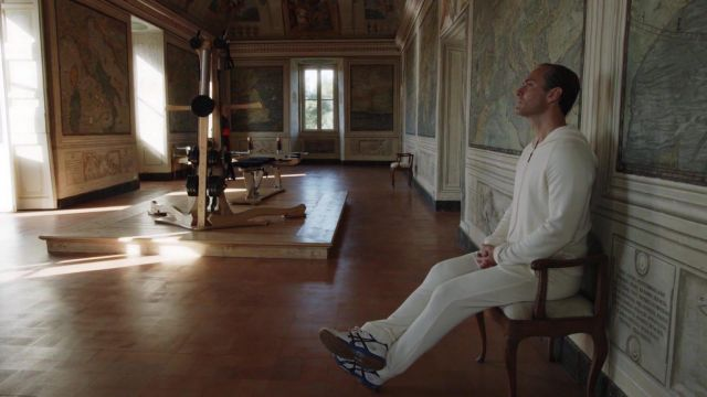 Asics sneakers worn by Lenny Belardo (Jude Law) as seen in The New Pope (S01E08)