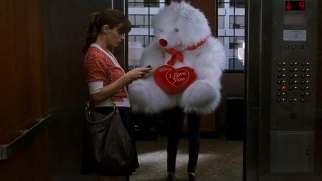 Top rouge a pois blanc de Julia Fitzpatrick (Jennifer Garner) dans Valentine's Day