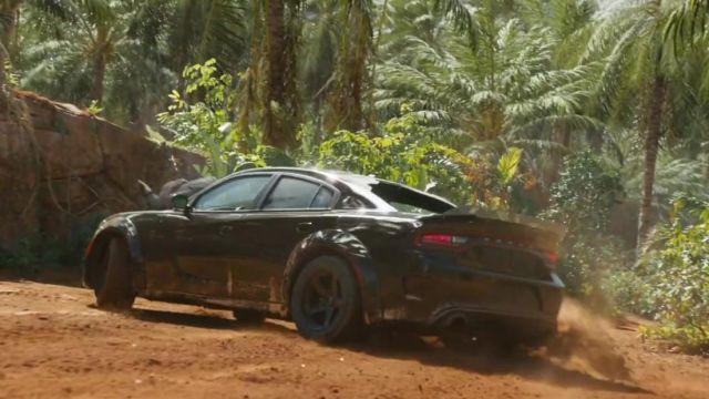 Dodge charger SRT Hellcat gros porteurs piloté par Dominic Toretto (Vin Diesel) dans Fast and Furious 9