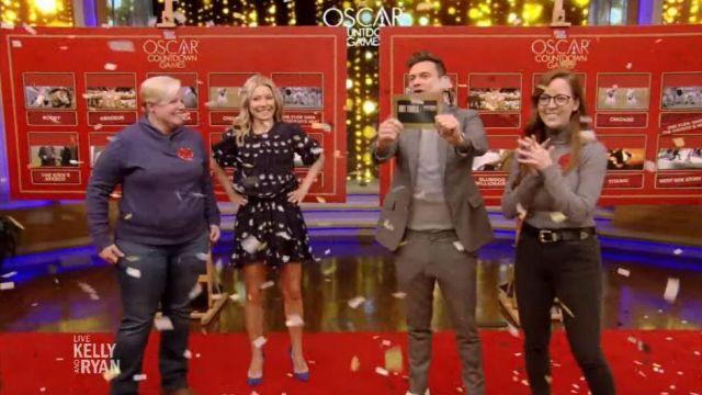 Gianvito rossi en Daim Noir Pompes porté par Kelly Ripa sur le LIVE avec Kelly et Ryan 6 février 2020