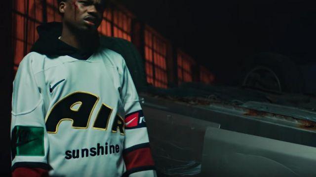 Nike x Cactus Marché aux Puces de Hockey Jersey Blanc porté par Roddy Ricch dans Roddy Ricch - Boom Boom Room [official Music Video]