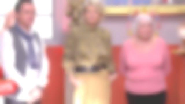 Le pantalon droit en velours côtelé Beige de Sophie Davant dans Affaire conclue le 07.02.2020