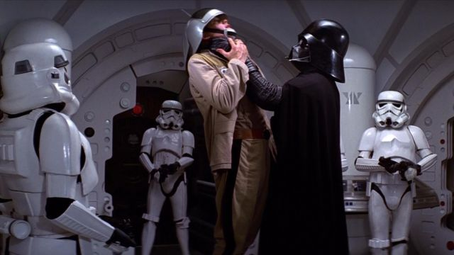 Le Casque De Dark Vador Dans Star Wars Episode Iv Un Nouvel Espoir Spotern