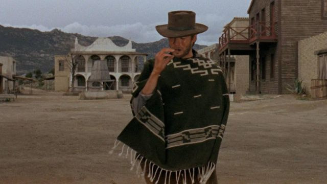 2a5325879 The poncho Joe (Clint Eastwood) in a fistful of dollars | Spotern