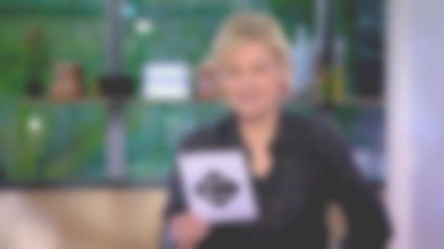 La chemise noire à pois de Anne-Élisabeth Lemoine dans C à vous