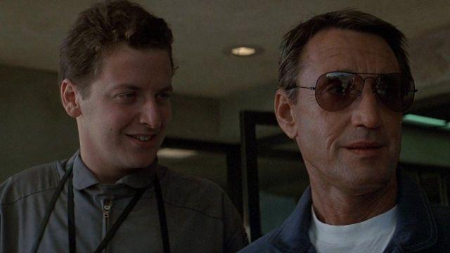 Noir Aviateur lunettes de soleil portées par l'Officier Frank Murphy (Roy Scheider) comme on le voit en Bleu Tonnerre