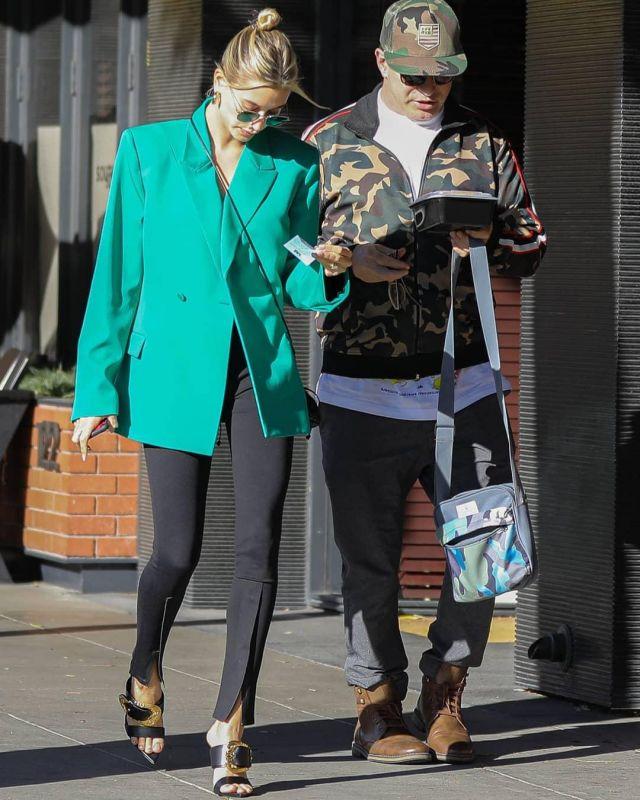 Saint Laurent New Wave Sunglasses worn by Hailey Baldwin Los Angeles February 11, 2020