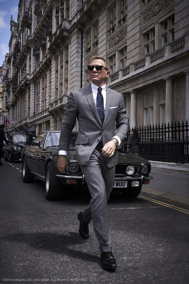 Crockett & Jones Highbury shoes in black worn by Daniel Craig as seen in No Time To Die London location promo picture