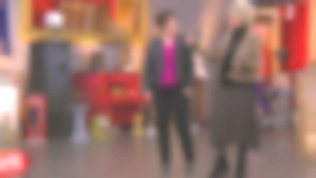 La jupe midi évasée imprimée pois Beige de Sophie Davant dans Affaire conclue le 13.02.2020