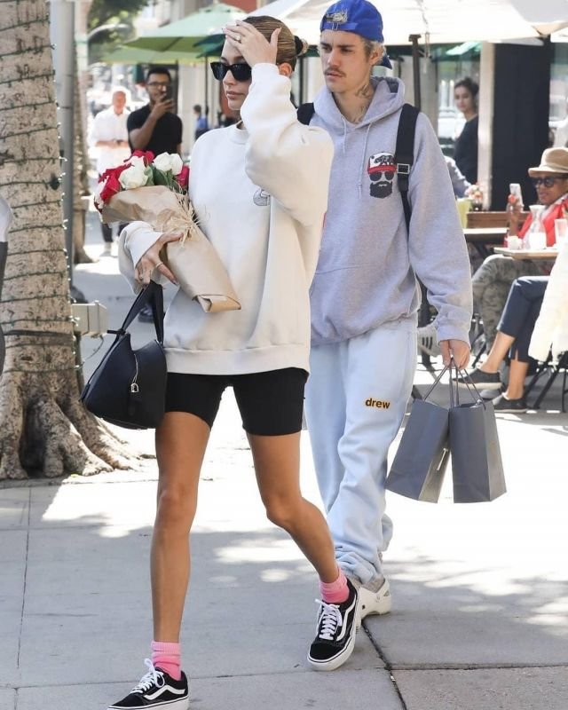 Vans Old Skool worn by Hailey Baldwin  Going to the Spa February 14, 2020