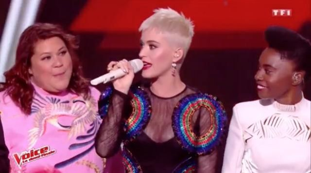 The long dress by Jean Paul Gaultier worn by Katy Perry in The Voice : The most beautiful voice in 2017
