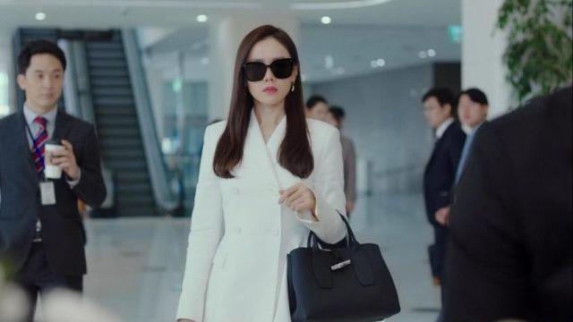 Manche noir Sac porté par Yoon Se-Ri (Son Ye-jin) dans Crash à l'Atterrissage sur Vous de l'Épisode 10