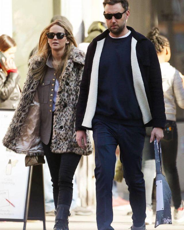 J. Crew Impression de Léopard en Fausse Fourrure Manteau porté par Jennifer Lawrence la Ville de New York le 25 février 2020