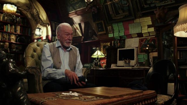 Blue Striped Shirt of Harlan Thrombey (Christopher Plummer) in Knives Out