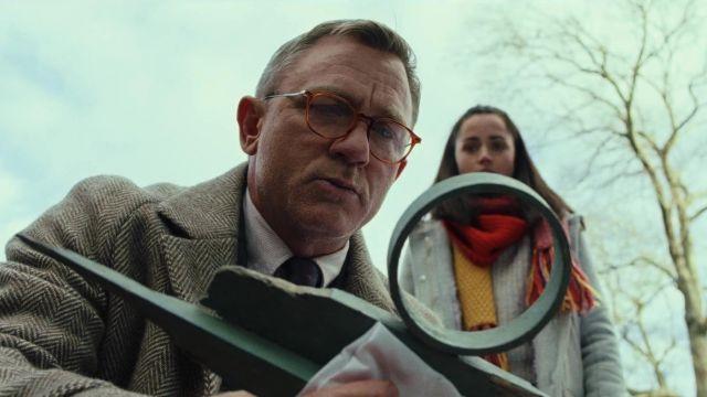 Handkerchief of Benoit Blanc (Daniel Craig) in Knives Out