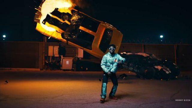 Héron preston Gris Camo Panneau Noir Pantalon Cargo de Roddy Ricch dans la vidéo de musique Roddy Ricch - La Boîte [official Music Video]