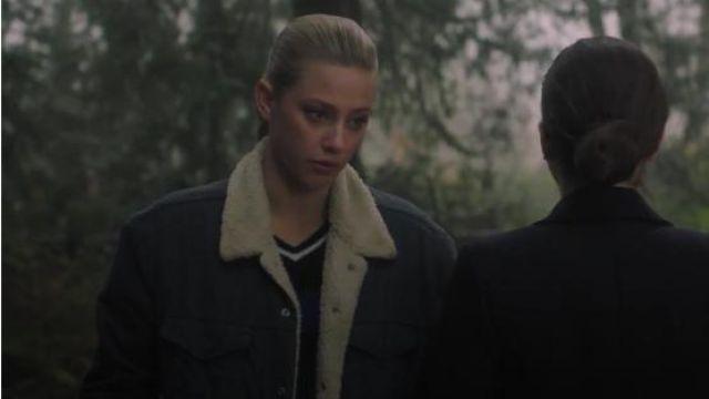 V-Neck Sweater worn by Betty Cooper (Lili Reinhart) in Riverdale Season 4 Episode 14