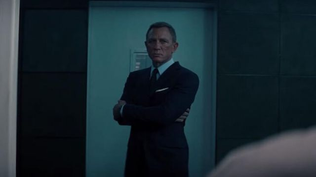 Tom Ford Off White Silk Pocket Square worn by James Bond (Daniel Craig) as seen in No Time to Die