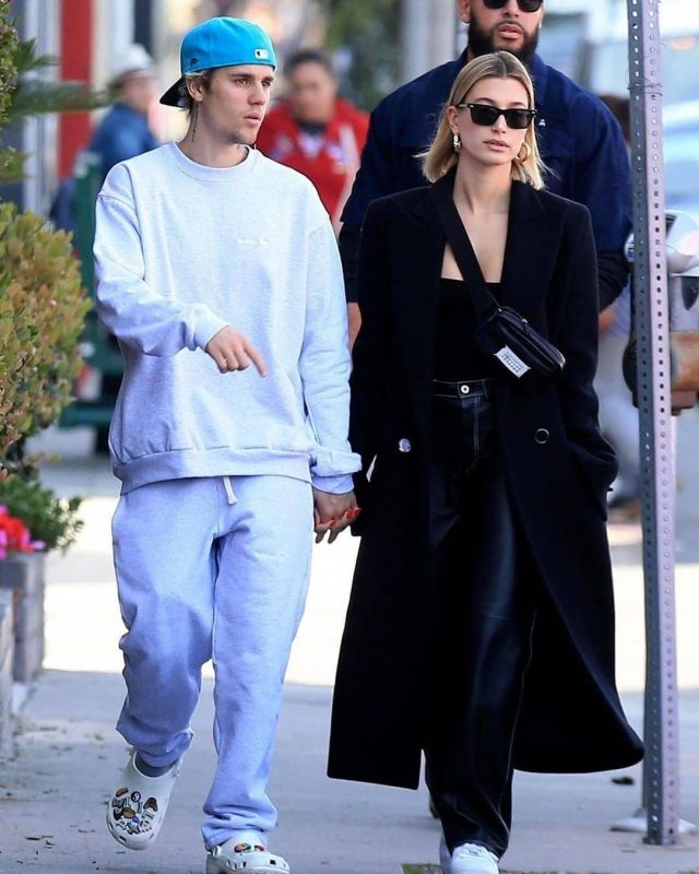 Oliver Peoples x The Row Ba CC Sunglasses worn by Hailey Baldwin West Hollywood March 4, 2020