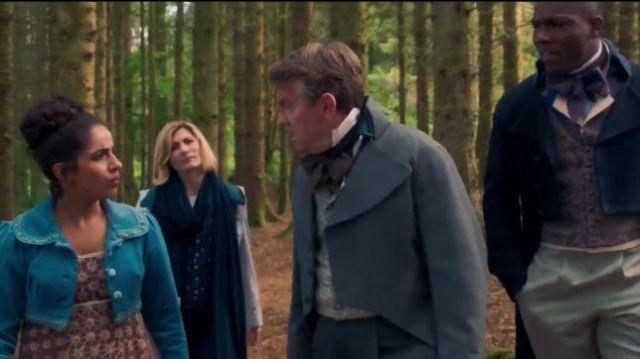 Cachemire Rayé Foulard porté par Le Médecin (Jodie Whittaker) dans Doctor Who Saison 12 Épisode 8