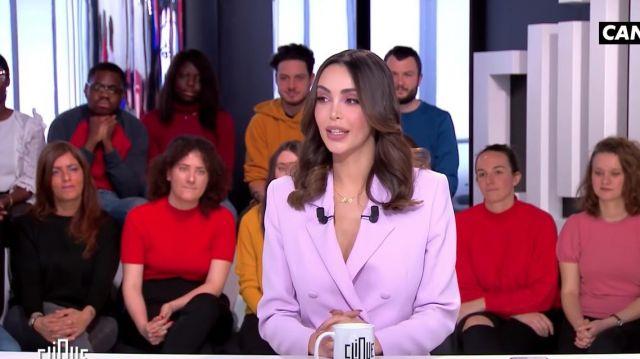 La veste de blazer rose lilas portée par Nabilla Benattia dans l'émission Clique