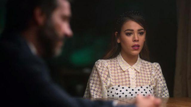 Transluside daisy chemisier porté par Lu (Danna Paola) dans l'Élite (S03E01)