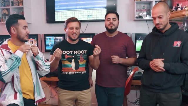 The hoody MTV by Raphael Carlier in ARCADE BATTLE : you lose, you let to grow for 6 put*** of the month feat. Doigby and Gotaga