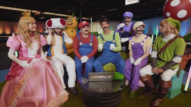 Le déguisement de Link de Squeezie dans MARIO CARTE BLEUE ALL STAR (feat. Squeezie, Cyril, Natoo, Cyprien, Léo Le Pérave)