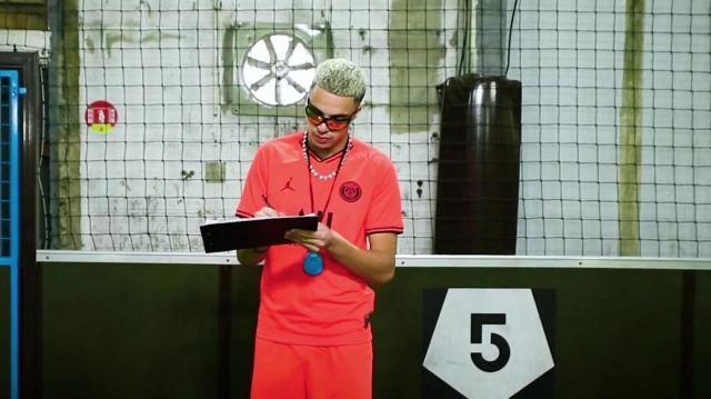 Le maillot du PSG porté par Dinor Rdt dans son clip Minimum feat. Naza