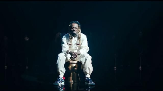 Gucci Ten­nis 1977 low-top Sneak­er worn by Lil Wayne in the music video Lil Wayne - Mama Mia (Official Video)