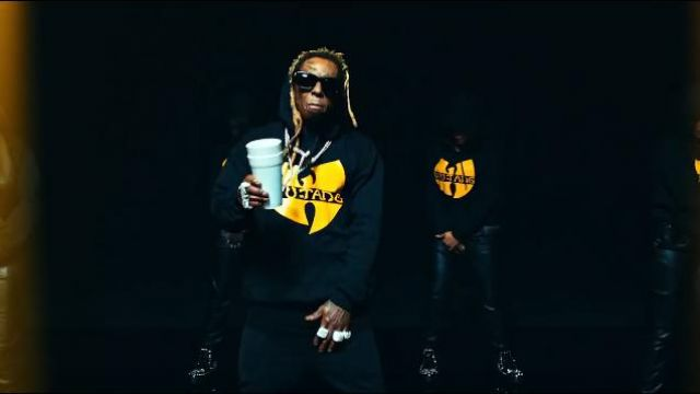 Merch Clas­sic Lo­go Hood­ie worn by Lil Wayne in the music video Lil Wayne - Mama Mia (Official Video)