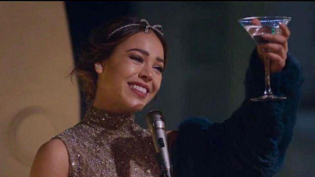 Le bandeau avec un nœud en cristal de Lu (Danna Paola) dans la série Élite (S00E00)