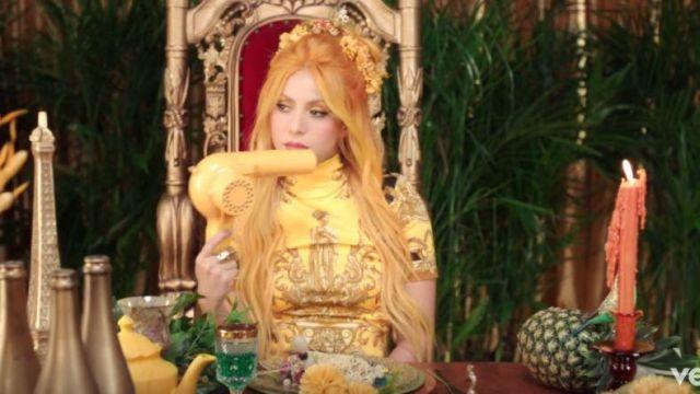 Conair Pro Oiseau Jaune sèche-Cheveux utilisés par Shakira de Shakira, Anuel AA - Me Gusta (Vidéo Officielle)