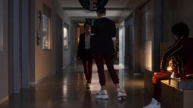 Silver and White sneakers worn by Rebeca (Claudia Salas) in Elite (S03E07)