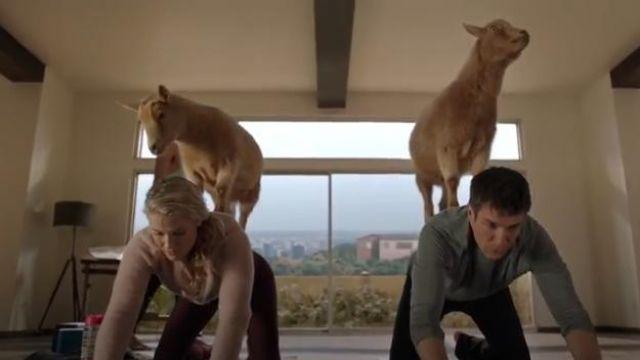 Burgundy Leggings worn by Dr. Grace Sawyer (Ali Larter) in The Rookie (S02E14)