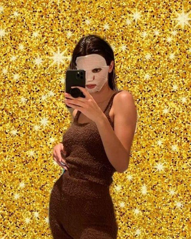 Effleure le Cozy Knit Tank Top porté par Kendall Jenner Instagram le 25 Mars 2020