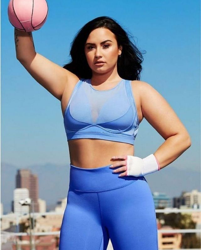 Fabletics High Waisted PowerHold worn by Demi Lovato  Fabletics