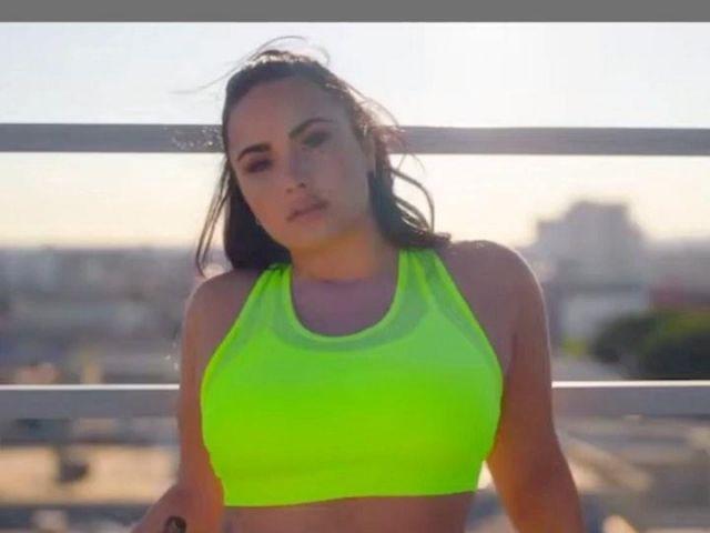 Fabletics Faye High Impact Sports Bra worn by Demi Lovato Fabletics