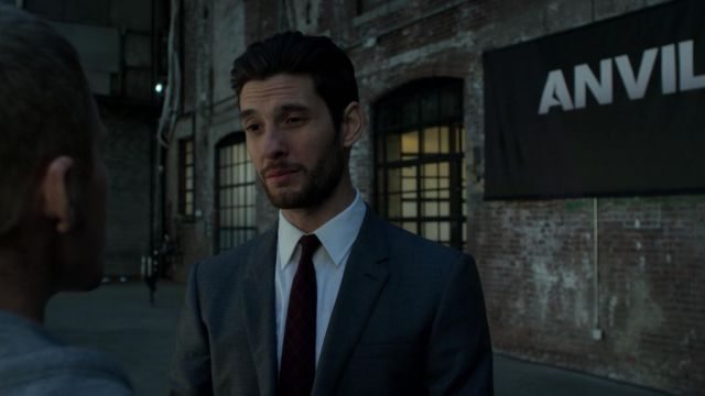 The gray suit Billy Russo (Ben Barnes) in Marvel's The Punisher S01E04